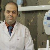 دکتر علی قمری - متخصص جراحی لثه و ایمپلنت